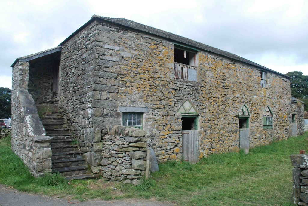 The stables of the Cernioge Inn near Glasfryn are today a barn on an isolated farm. Author's photograph.